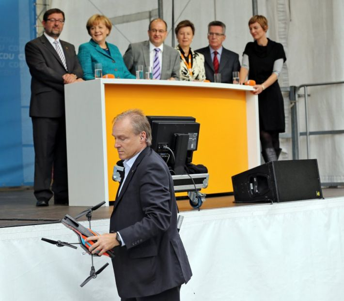 angela-merkel-flying-drone3(1)