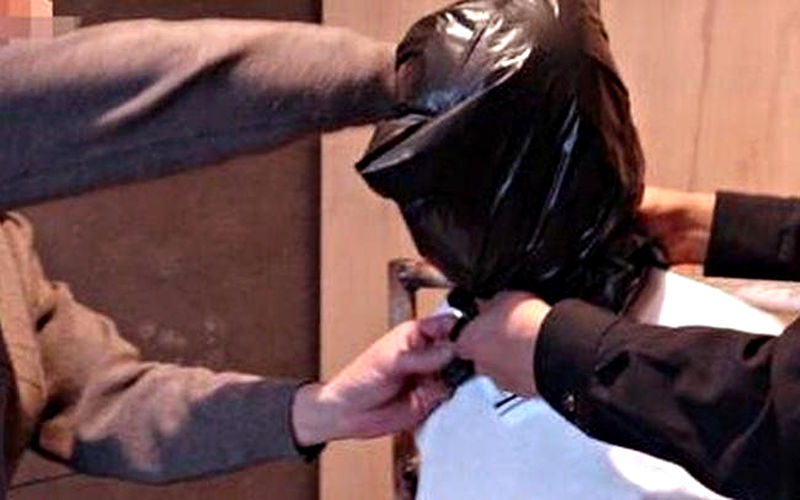 Первый допрос похищенного заложника